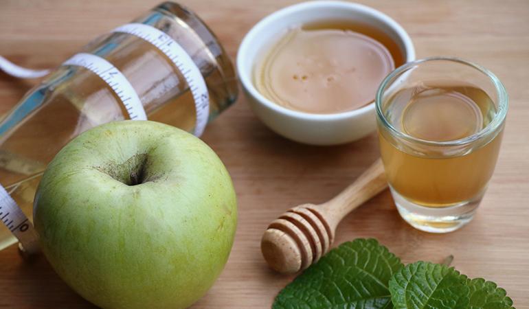 Apple cider vinegar and honey help relieve diarrhea