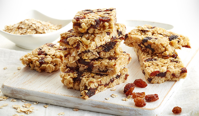 Apples and raisins go great with muesli for breakfast and can aid brain health