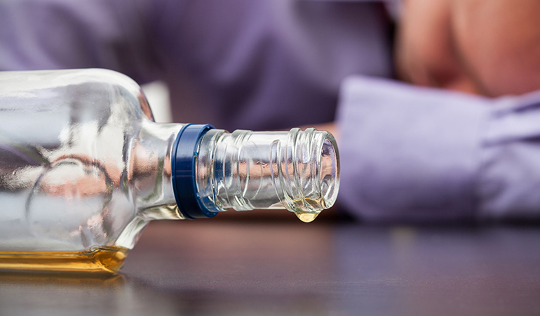 Heavy alcohol use is associated with Alzheimer's