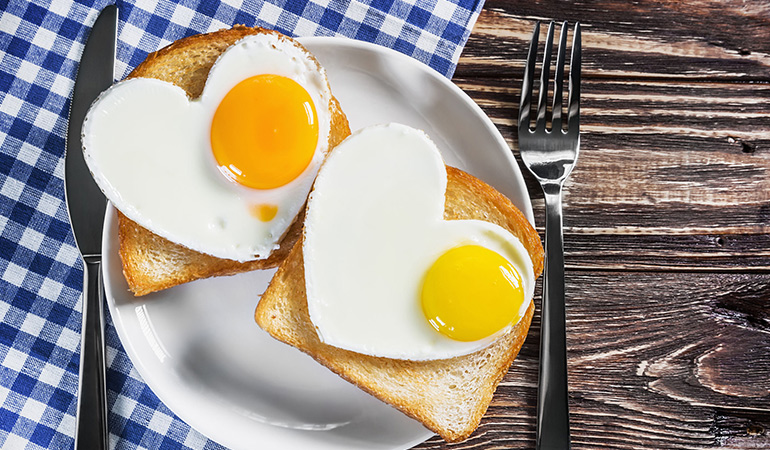 Eggs provide energy for the brain and are a fantastic breakfast option