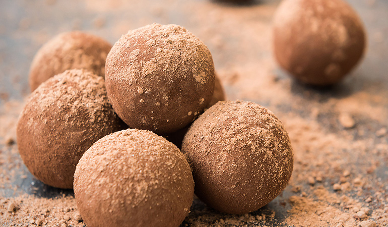 Energy balls can be made energetic with a dash of turneric