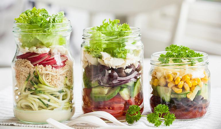 right way to make mason jar salad