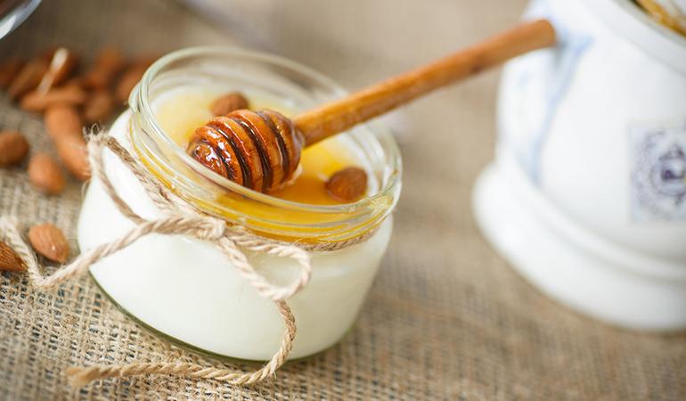 honey and yogurt hair pack
