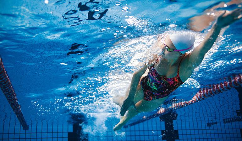 Swimming burns 800 calories.