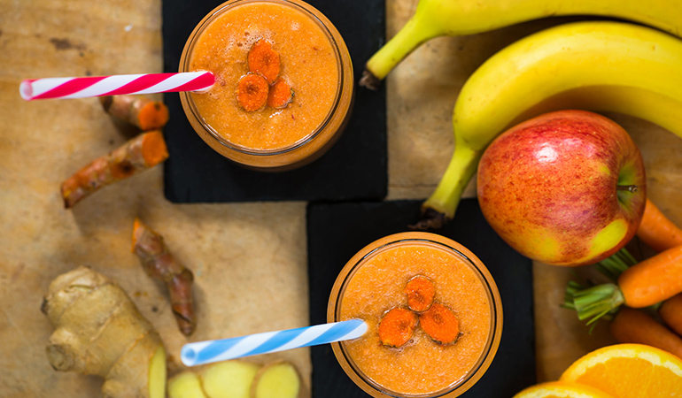 Smoothie can be made with turmeric and carrot