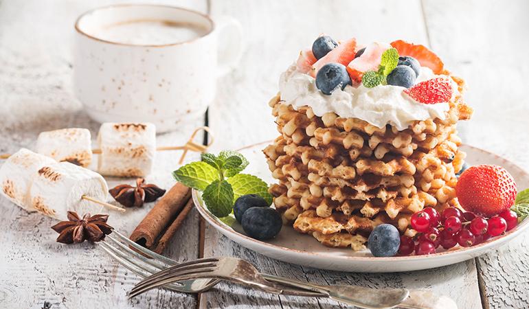 Waffle parfait with berries and yogurt boost brain health