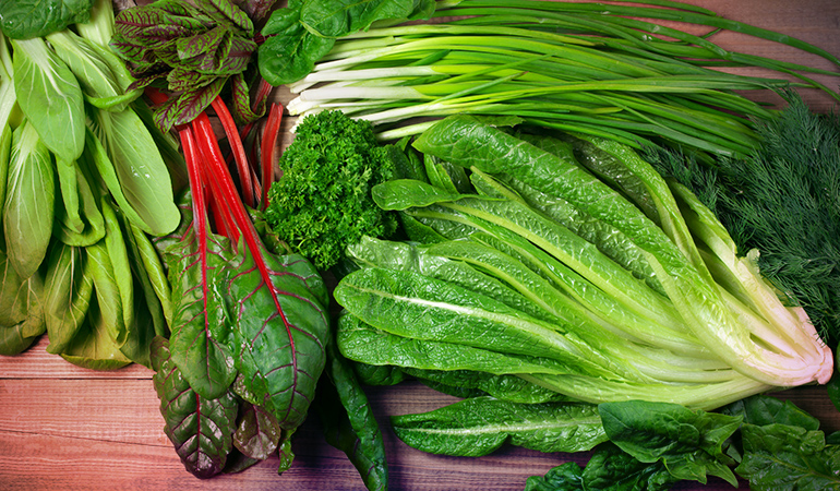 Leafy greens can be stored in different ways in the fridge.