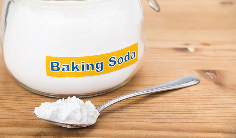 Baking soda spot treatment targets acne
