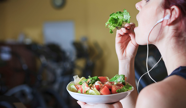 Eating before 20 minutes or after more than an hour post exercise could spell trouble for you