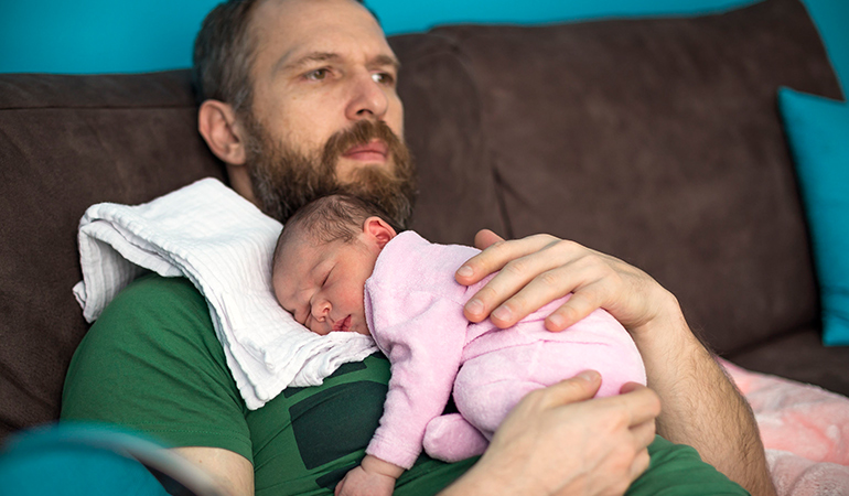 Fatherhood triggers a drop in testosterone and increase in oxytocin