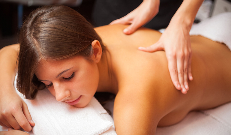 Therapeutic massage can significantly improve pain in cancer patients