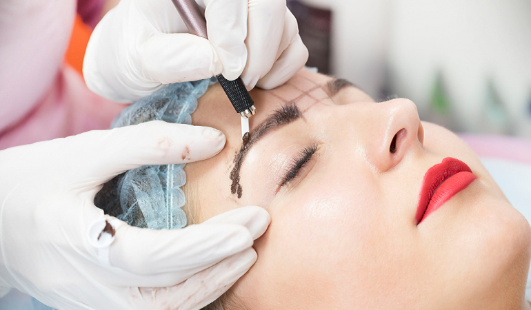Microblading is a popular procedure for thicker eyebrows