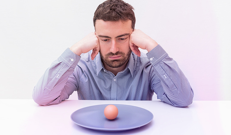 Exclude eggs from your diet to get rid of an egg allergy