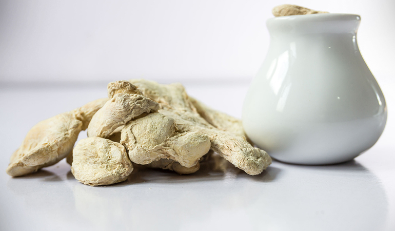 Ginger contains several constituents, which have antibacterial and anti-fungal effects