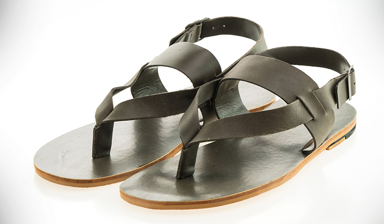 Sandals with back strap reduces the load on the knees