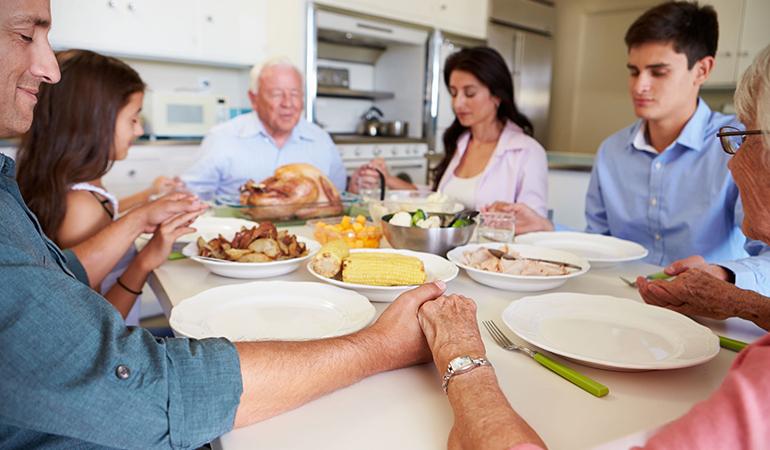 Reflecting before eating improves mindfulness.