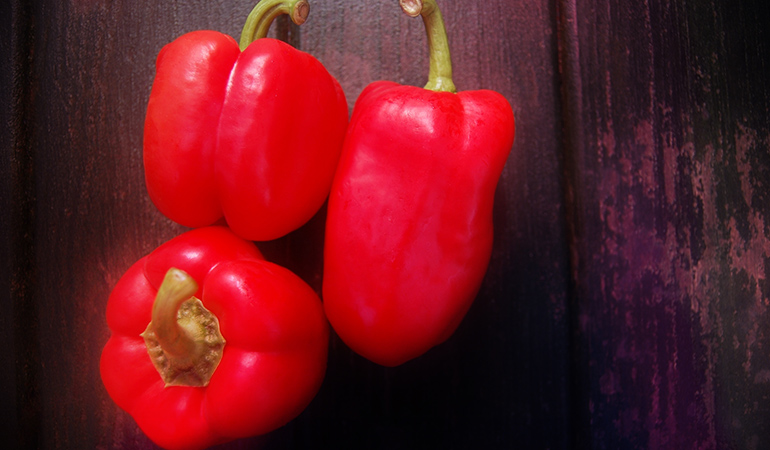 Half a cup of sweet red peppers contains 1210 mcg of beta carotene.