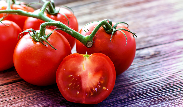 Tomatoes contain 1.73 mg iron