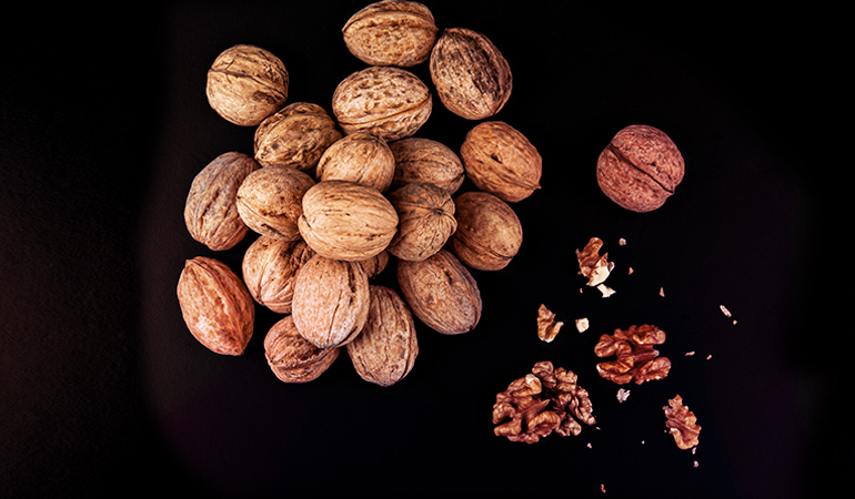 Black walnuts contain 0.759 gm of ALA per ounce serving