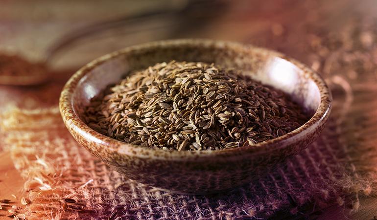Dill seeds contain 431 ng/g of vanadium.