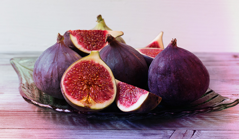 1 cup of fresh figs: 52.5 mg of calcium (4% DV)