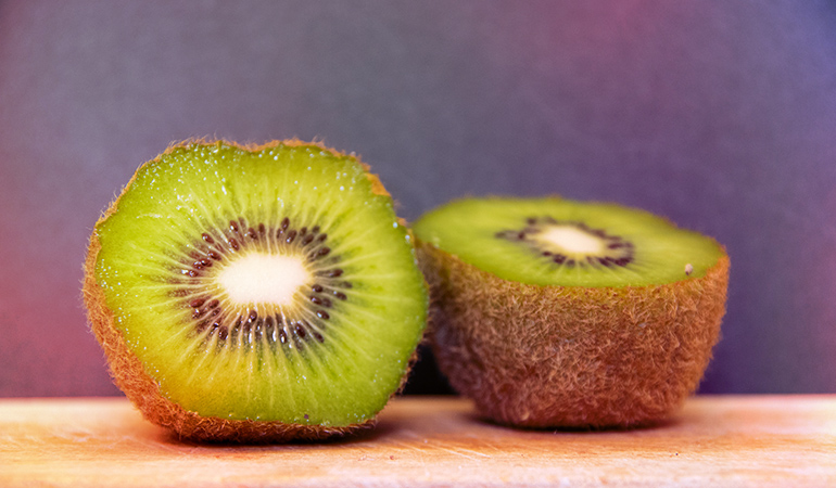 One cup of kiwifruit: 61 mg of calcium (4.7% DV)