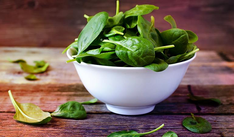 Spinach contains 533–840 ng/g of vanadium.