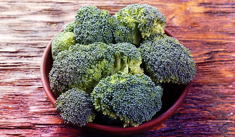 A cup of boiled broccoli: 2.4 mg of vitamin E (16% DV)