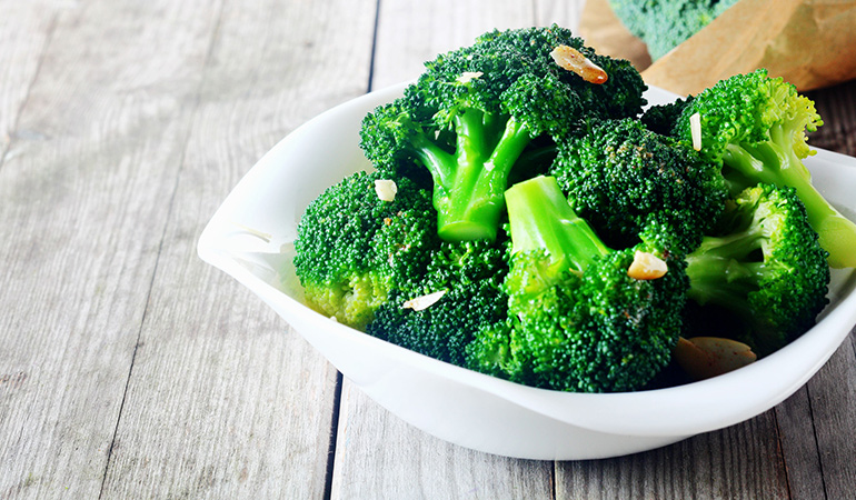 A cup of boiled broccoli has 2.4 mg of vitamin E (16% DV).