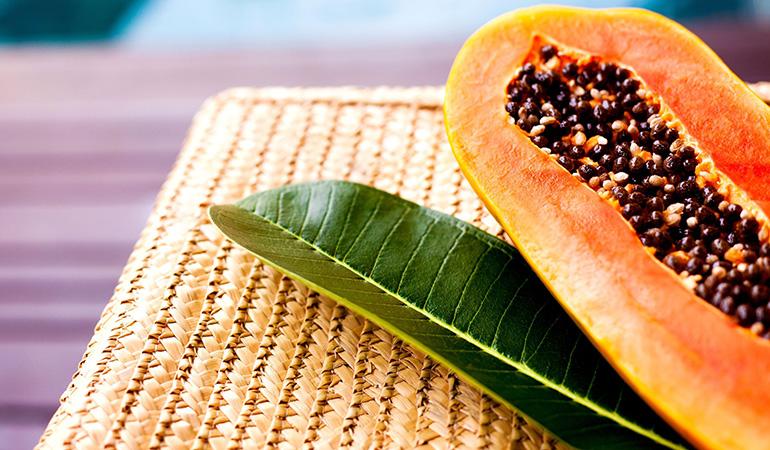 1 cup of cubed papayas: 88.3 mg of vitamin C (98.1% DV)