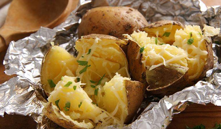 One large russet potato: 24.8 mg of vitamin C (27.6% DV)