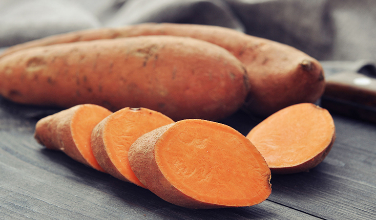 A cup of mashed sweet potato: 39.2 mg of vitamin C (43.6% DV)