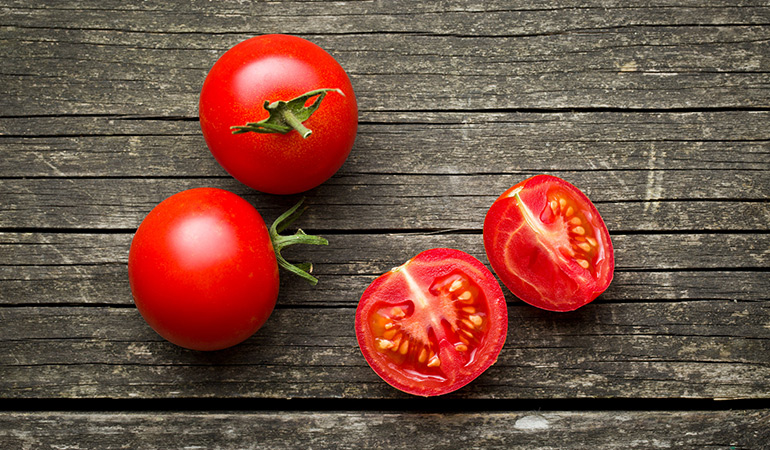 A cup of chopped or sliced tomatoes: 24.7 mg of vitamin C (27.4% DV)