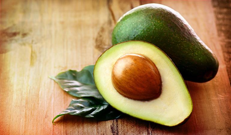 A cup of cubed avocado has 2.61 mg vitamin B3 (16.3% DV).