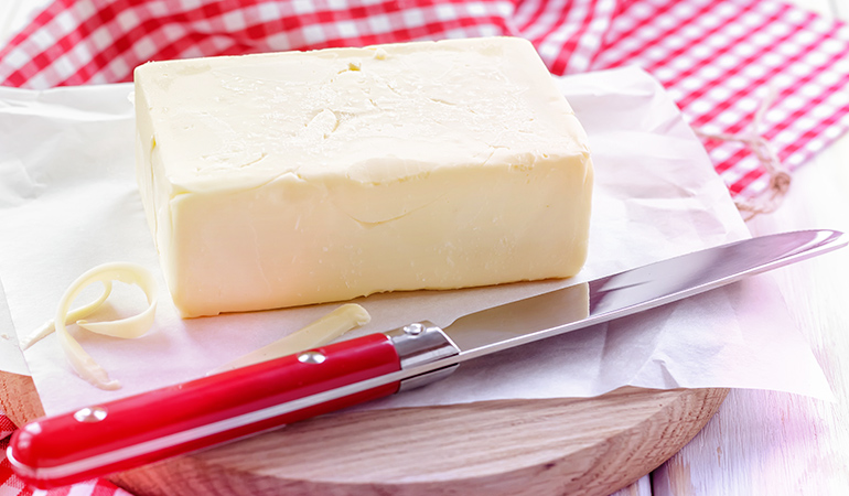 A tablespoon of butter has 95 mcg of retinol.