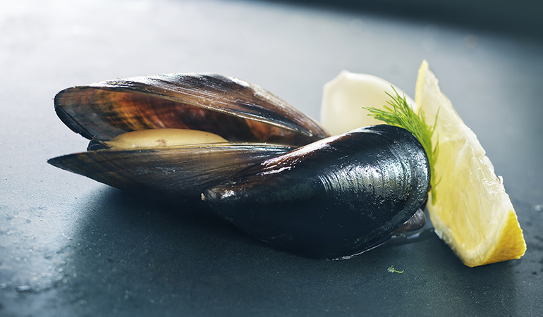 A 3 oz serving of mussels has 5.780 mg of manganese (251% DV).