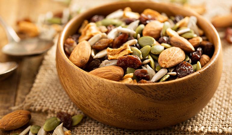1 oz blanched hazelnuts has 3.586 mg or 156% DV manganese