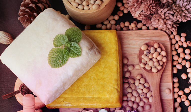 A cup of boiled (mature) soybeans has 7.68 gm of omega 6 fatty acids.