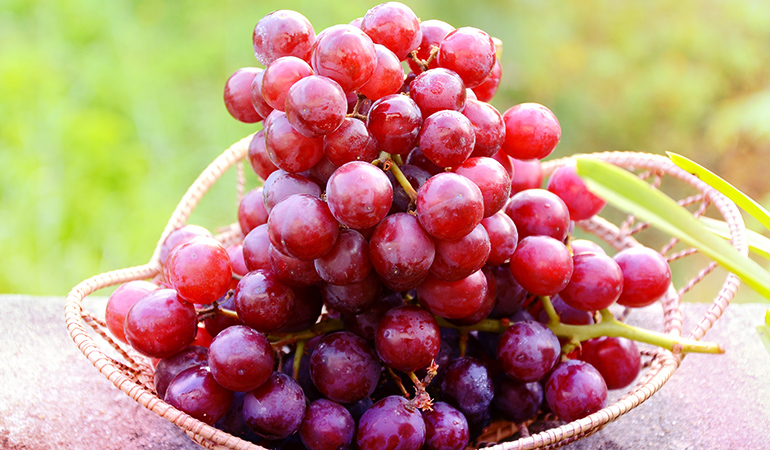 There is 0.75 mg of boron in a cup of red grapes.